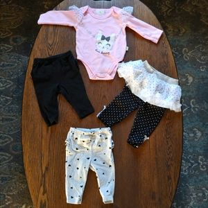 Bundle/lot of a top and 3 bottoms size 3-6 months